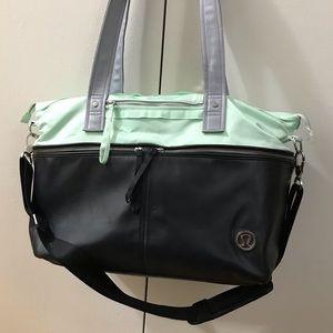 Lululemon Take Me With You travel bag
